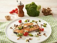 香料鮭魚排附芥末優格醬