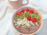 巧克力熱燕麥粥。輕食料理