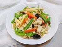 炒豆腐時蔬。素食快速料理
