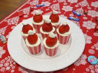 草莓巧克力杯子蛋糕。DIY聖誕節甜點推薦