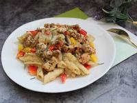 白醬蘑菇雞肉義大利麵
