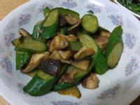 小黃瓜炒香菇
