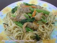 沙茶鴨肉炒麵