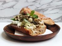 青醬雞胸肉三明治
