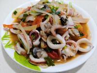 泰式涼拌海鮮沙拉
