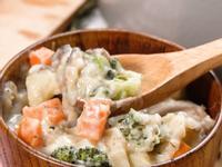 起司白醬雞肉燉野菜&酥皮奶油雞肉塔