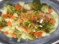 白醬鮭魚佐青菜