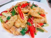 一魚兩吃 -蔥薑魚片+ 椒鹽魚骨魚皮