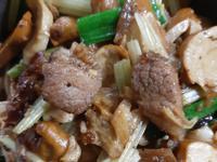 芹菜醬炒麵輪