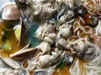 蚵與蛤蠣麵線