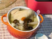 《菌菇干貝鮮雞湯》