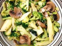 綠花椰炒蘑菇