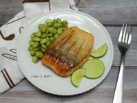 香煎檸檬鮭魚佐毛豆