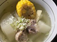 電鍋料理 白蘿蔔玉米豬肉湯