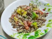 lanni 燻鮭酪梨拌三色藜麥
