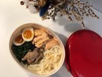 減脂便當-「無油鮭魚&味噌烏龍麵」
