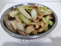 芹菇炒花枝丸(西洋芹、香菇)