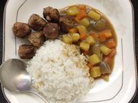 意式牛肉丸配日式咖哩汁