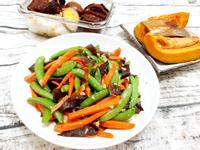 蒜炒甜豆筴黑木耳