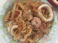 超簡單茄醬海鮮義大利麵