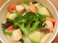 奶油鮭魚菠菜筆管麵