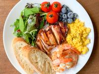 早餐吃什麼?氣炸黃金雞腿排早午餐