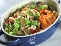 海鮮宴客菜一指搞定:金銀蒜蒸海鮮粉絲煲
