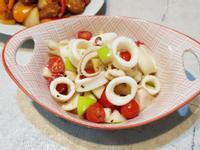 果淳中卷拌水果沙拉