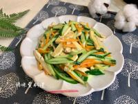 炒三絲(小黃瓜、紅蘿蔔、豆乾絲)