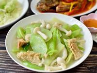 雪白菇炒菜心