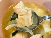 粉紅鮭魚豆腐味噌湯