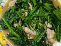 波菜炒肉絲