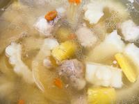 電鍋料理燉鳳梨蘋果苦瓜枸杞排骨湯