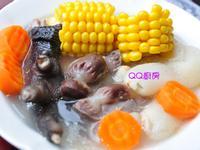 玉米竹笙燉雞腳湯
