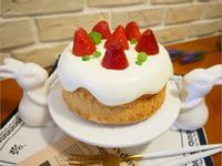 可愛的「草莓奶油戚風蛋糕」美到冒泡 ♡