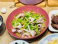 芹菜炒花枝