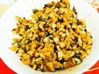 蘿蔔乾炒香菇 (古早味的開胃小菜)