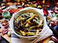 雞肉炒青蘆筍佮蘑菇