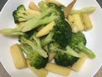 清炒花椰菜玉米筍