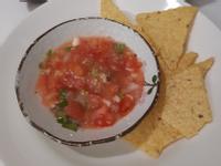 天然莎莎醬與玉米片