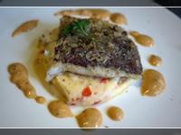 烤現流季節海魚佐貝爾恩斯醬搭馬鈴薯泥