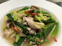 芹菜炒魚膘/黃豆醬