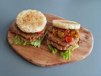 新豬肉素食米漢堡 (新豬肉料理)