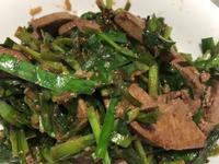 韮菜炒豬肝