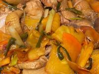 金鑽鳳梨炒桂丁雞肉
