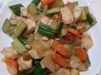 脆蔬炒雞丁