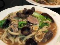 沙茶豬肉片炒烏龍麵/火鍋剩食美食