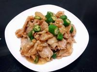 薑燒秋葵五花肉片
