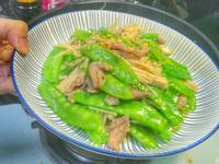 荷蘭豆金針菇炒肉絲