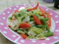 高麗菜四季豆紅蘿蔔大鍋炒